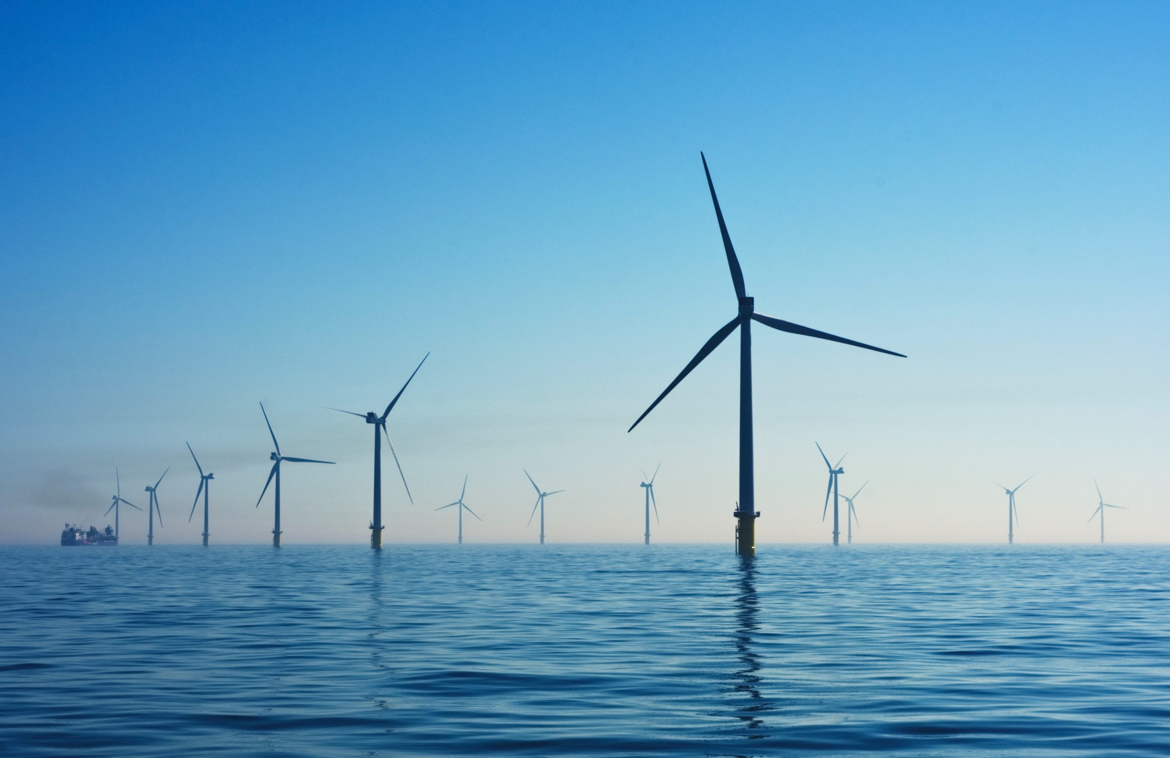 http://wind%20farm%20in%20the%20ocean%20water